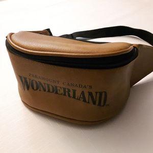 Vintage Paramount Canada's Wonderland Fanny Pack